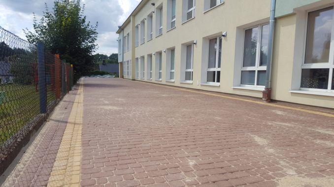 Nowe chodniki i taras przy Przedszkolu Miejskim nr 3